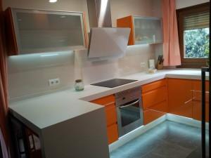 Cocina lacada naranja