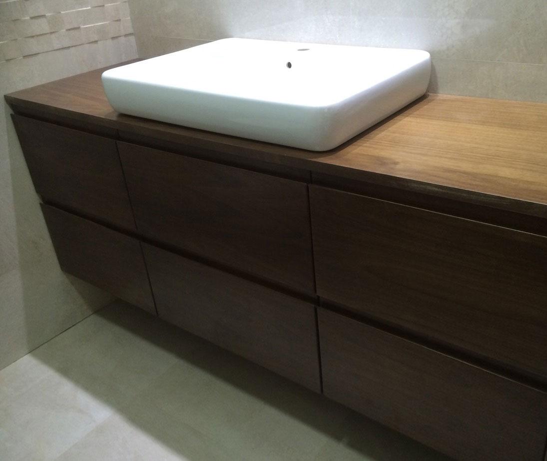 Baño Visitas Medidas:Nuestros muebles de baño son a medida y por encargo , aportando